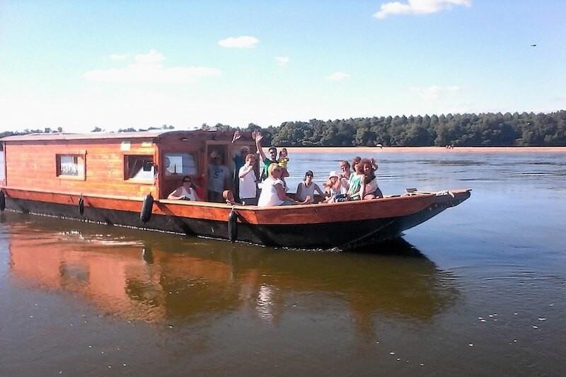 Balade en bateau traditionnel sur la loire près d'angers