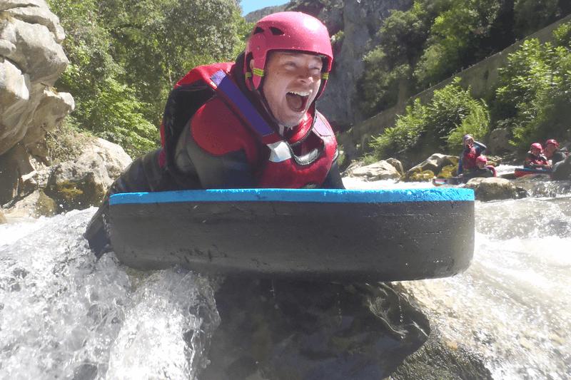 Descente sportive en hydrospeed