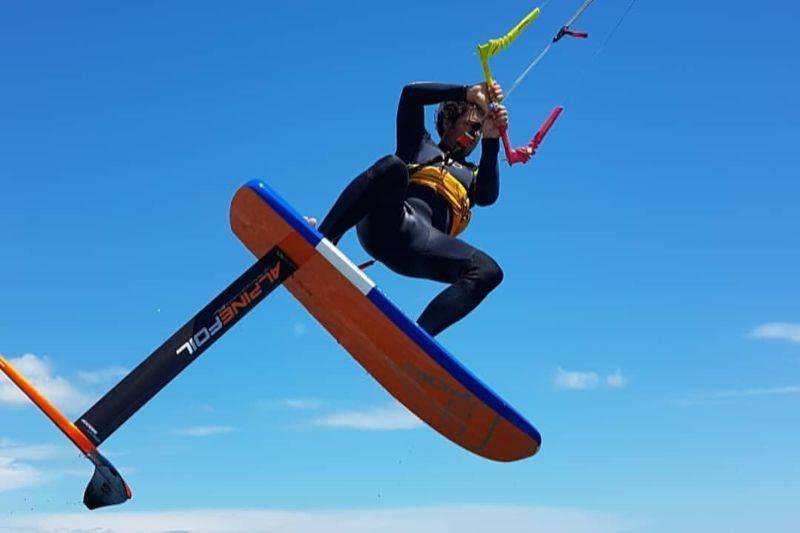 Cours de kitefoil à Narbonne plage ou Gruissan