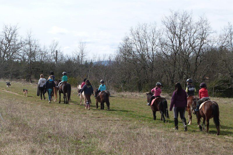 Balade à poney en Ardèche