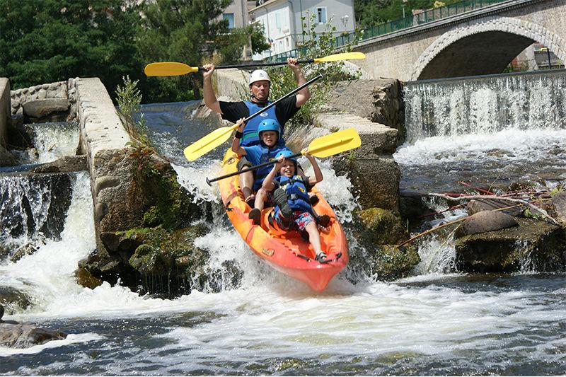 Descente en canoë kayak dans la vallée de l'eyrieux