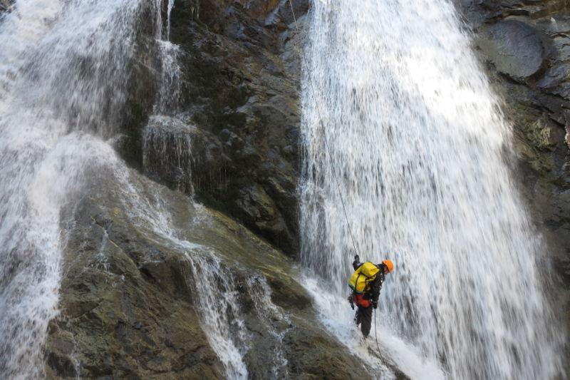 CHICHIN :  journée dans le canyon expert de Chichin