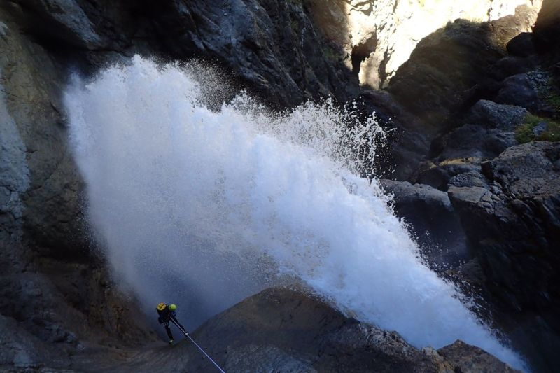 OULES DE FRESSINIERES : canyon expert à la journée