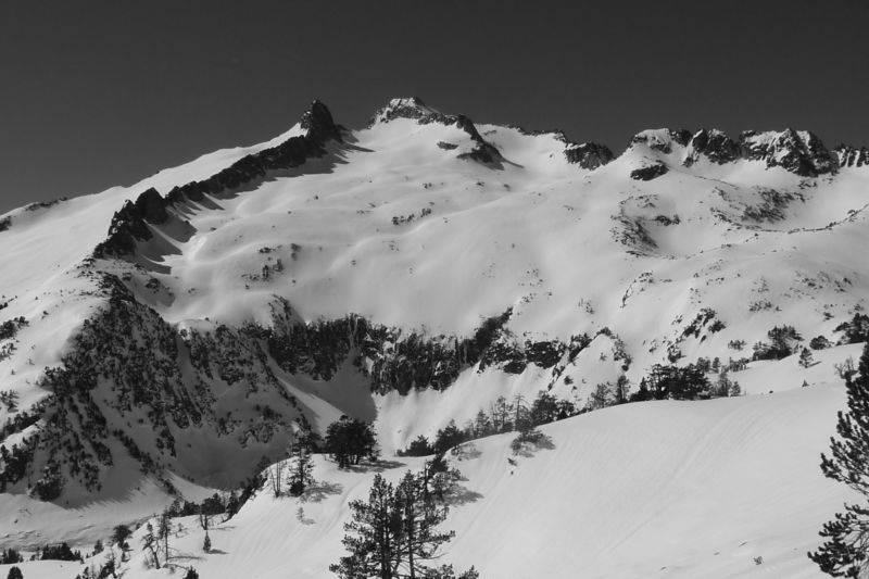 Raid à raquettes encadré dans le  massif du Néouvielle.