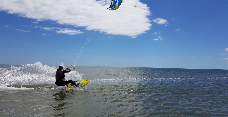 Cours particuliers de kitesurf à Narbonne plage ou Gruissan