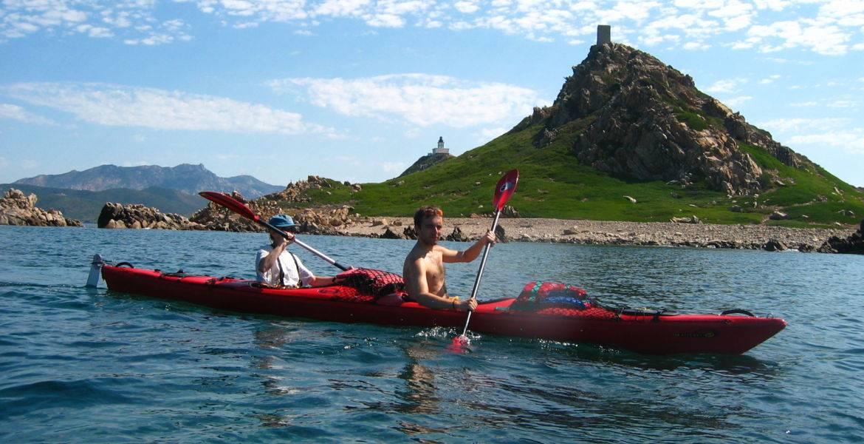 """Vacances sportives en Corse multi-activités """"Beauté Sanguinaire"""" : Kayak de mer, randonnée et VTT"""