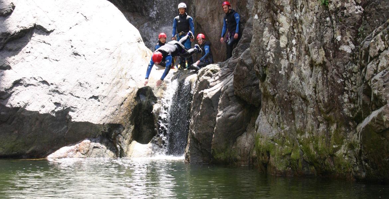 Canyoning Corse Le Zoicu intégral : Un des plus beaux de l'île à partir de 12 ans