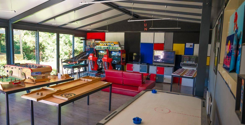 Salle de Jeux arcade, jeu bois, flipper, Air palet La Roche sur yon