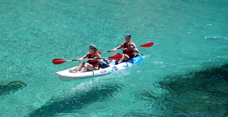 Balade en kayak des calanques de Cassis avec guide