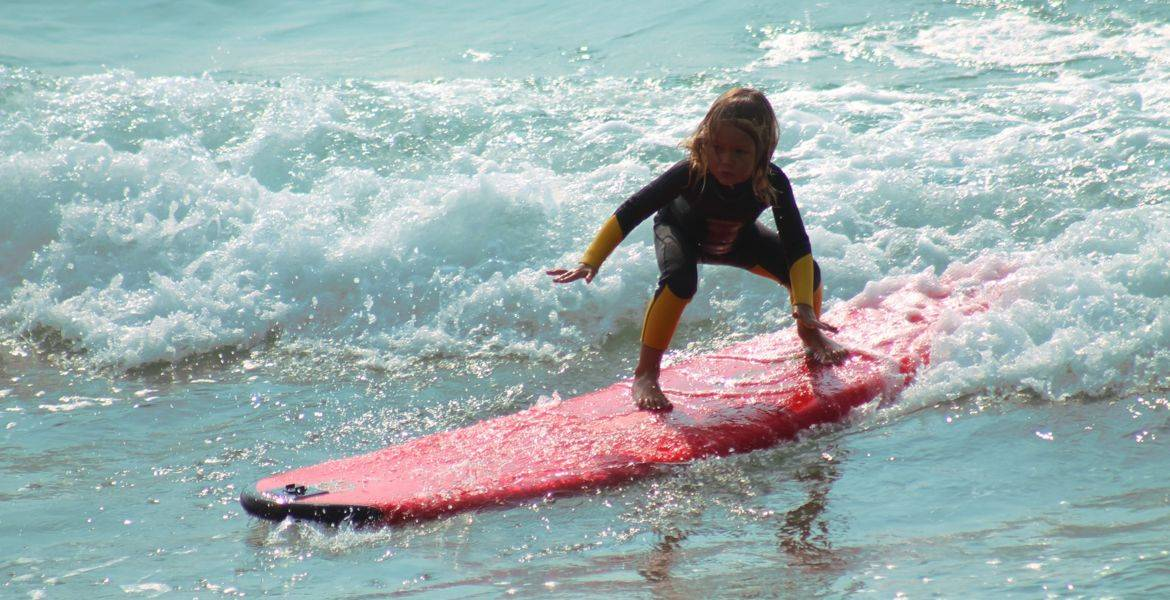 Surf lessons and surf rental in Campomoro