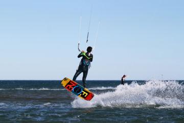 Navigation surveillée kitesurf à narbonne plage ou gruissan