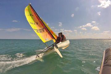 Cours particuliers catamaran ados & adultes : tous niveaux