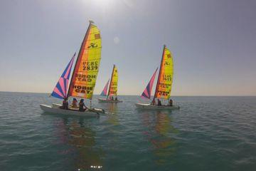 Stage collectif ados & adultes catamaran : débutant / intermédiaire