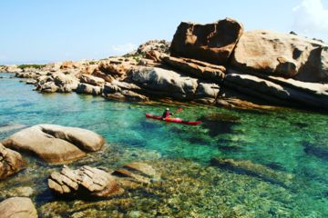 "Sea-kayaking 1 week trip : ""the hidden coves of the beauty island"""