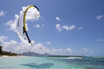 Location de kitesurf sur l'étang de la palme