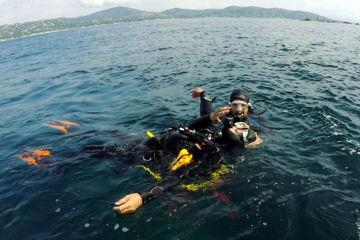 Stage rescue diver