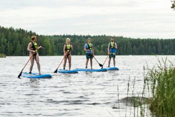 Renting a stand up paddle