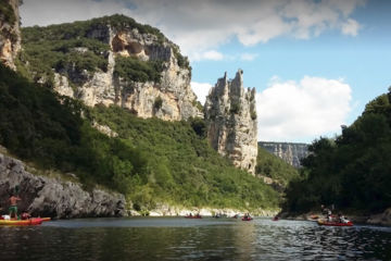 Canoeing down the ardèche 8km