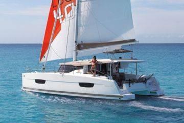 Stage de formation navigation croisière sur catamaran à voiles habitable