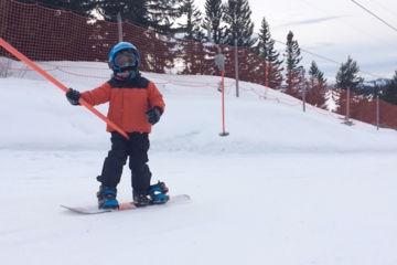 Private kid snowboard lesson