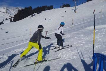 Beginner snowboard group lessons