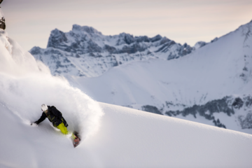 Snowboard hors piste à châtel - haute savoie - france
