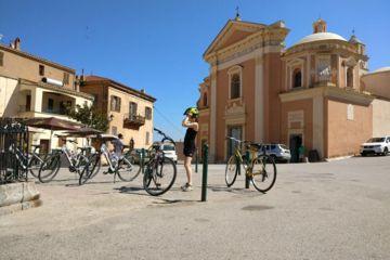 A vélo sur les hauteurs de l'île rousse
