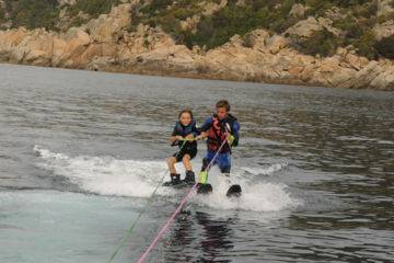 Leçon(s) accompagnée(s) de ski nautique & wakeboard à campomoro